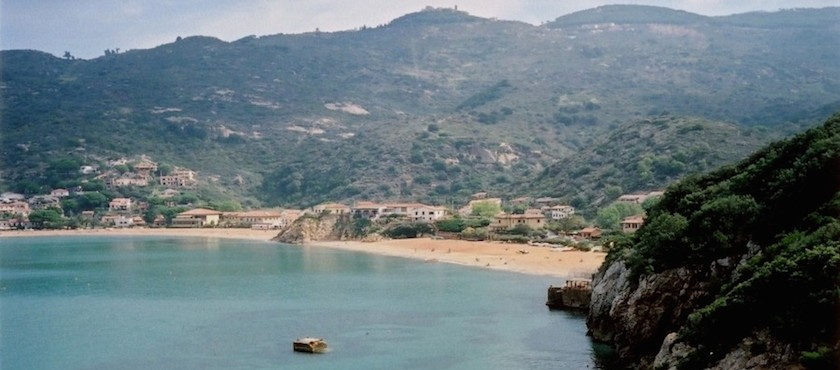 Giglio Island beaches for children
