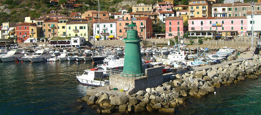 Ferries to Giglio Island how to save money