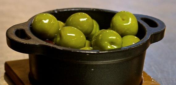 isola del Giglio in 10 ricette: olive sotto pesto