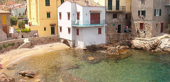 murenario romano: isola del Giglio